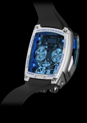 La perfecta reproducción del corazón emblemático de Bugatti se puede ver a través del cristal del reloj